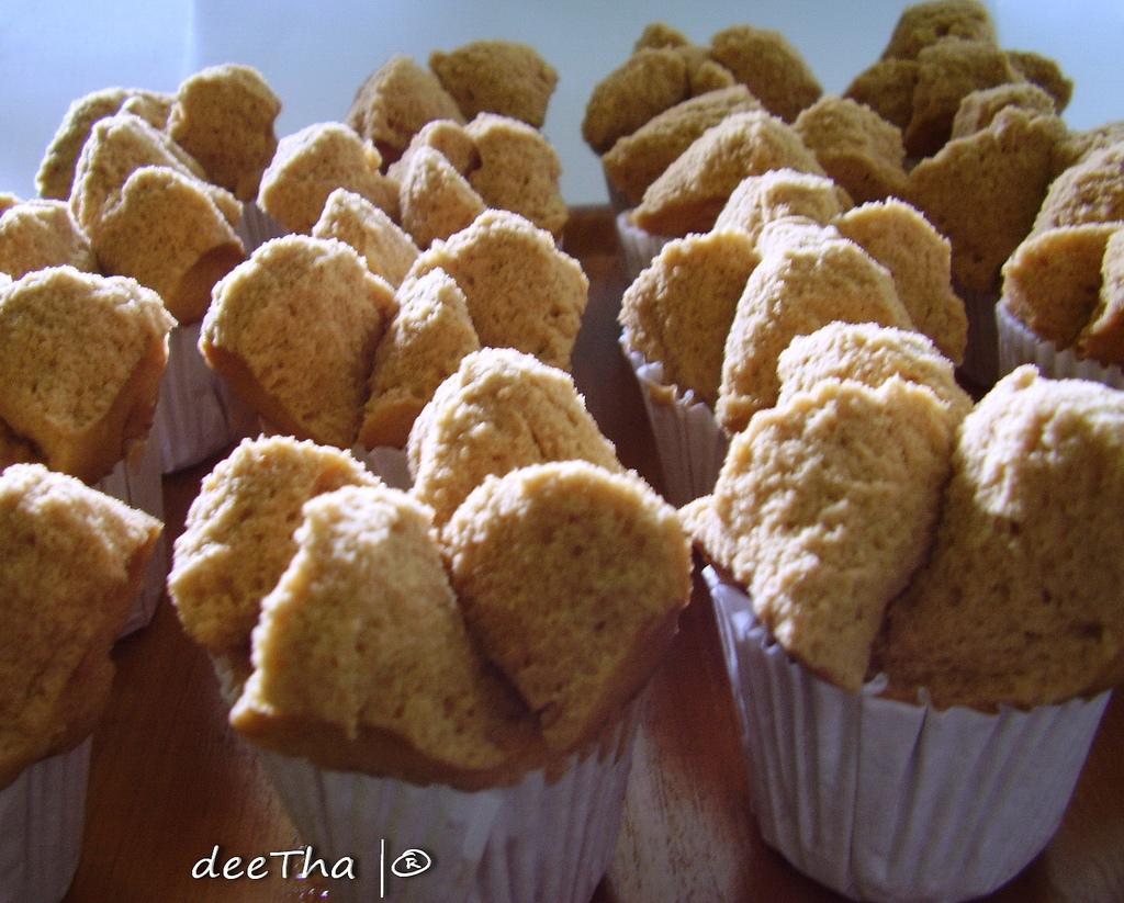 Selain gethuk, makan roti kukus gula merah juga enak loh.