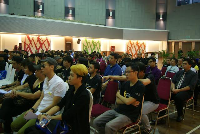 Botakkan Kepala Untuk Kempen Kanser Di Kolej Universiti KDU kampus Damansara