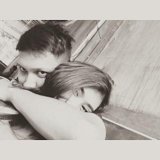 Foto Juan Christian memeluk syahnaz romantis