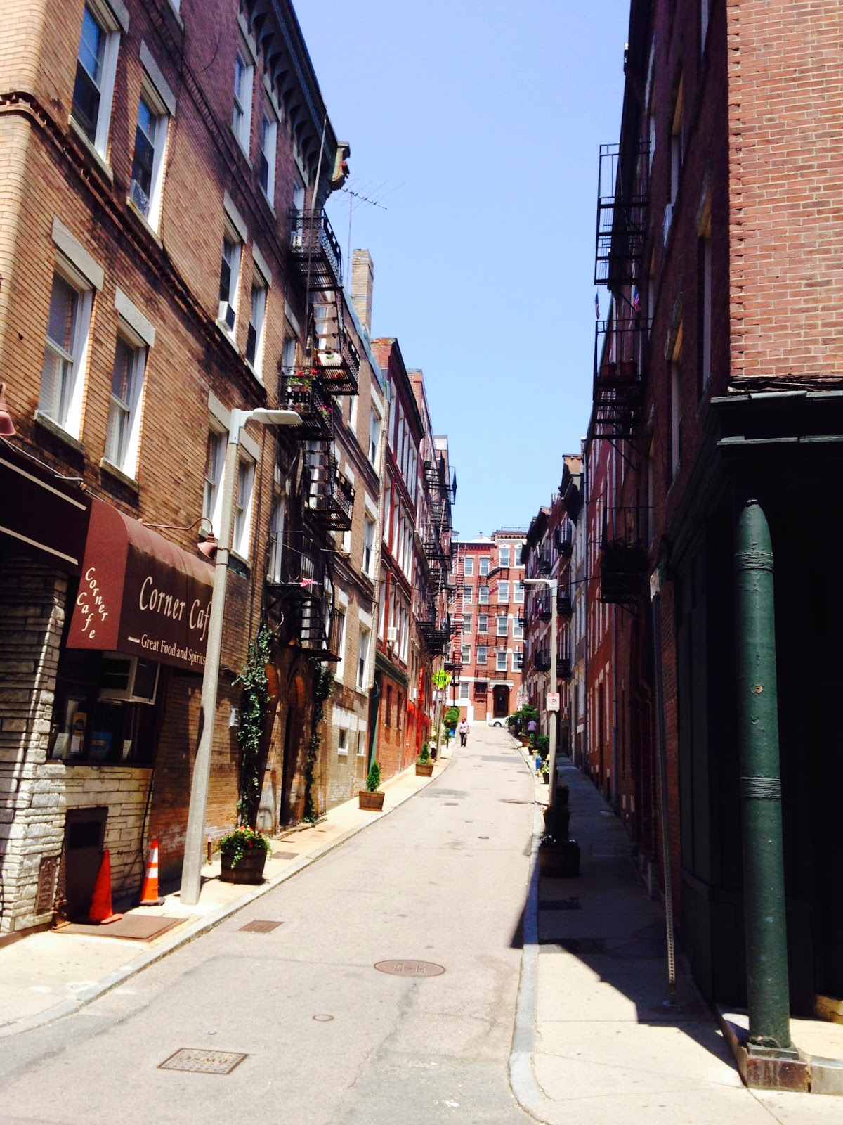 alley in Boston's North End