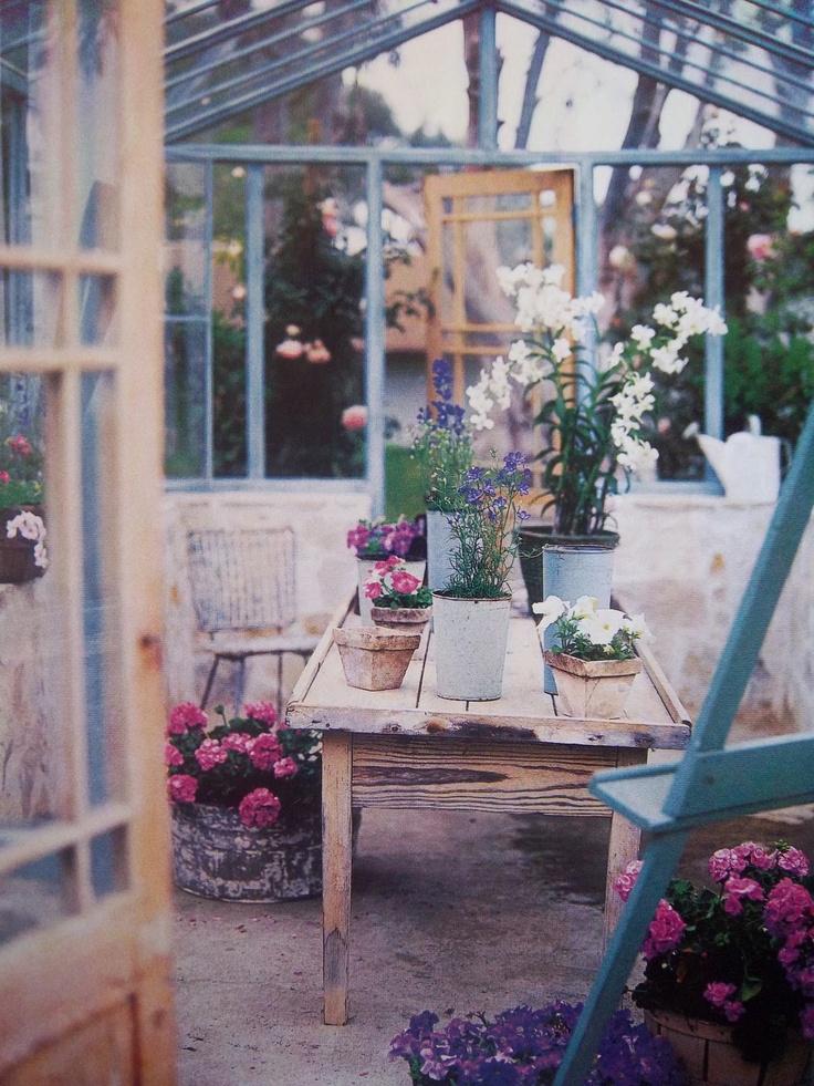 Mod vintage life in the greenhouse for Verande arredate