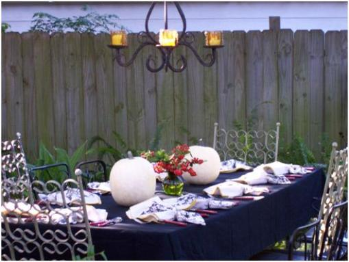 Outdoor Thanksgiving Table by Sweet Iced Tea