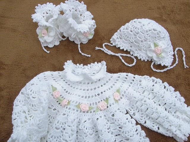 Крестильное платье и пинетки