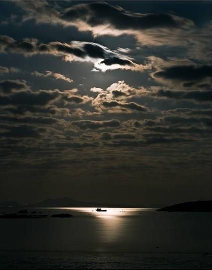 Moon Light Seen On www.coolpicturegallery.us