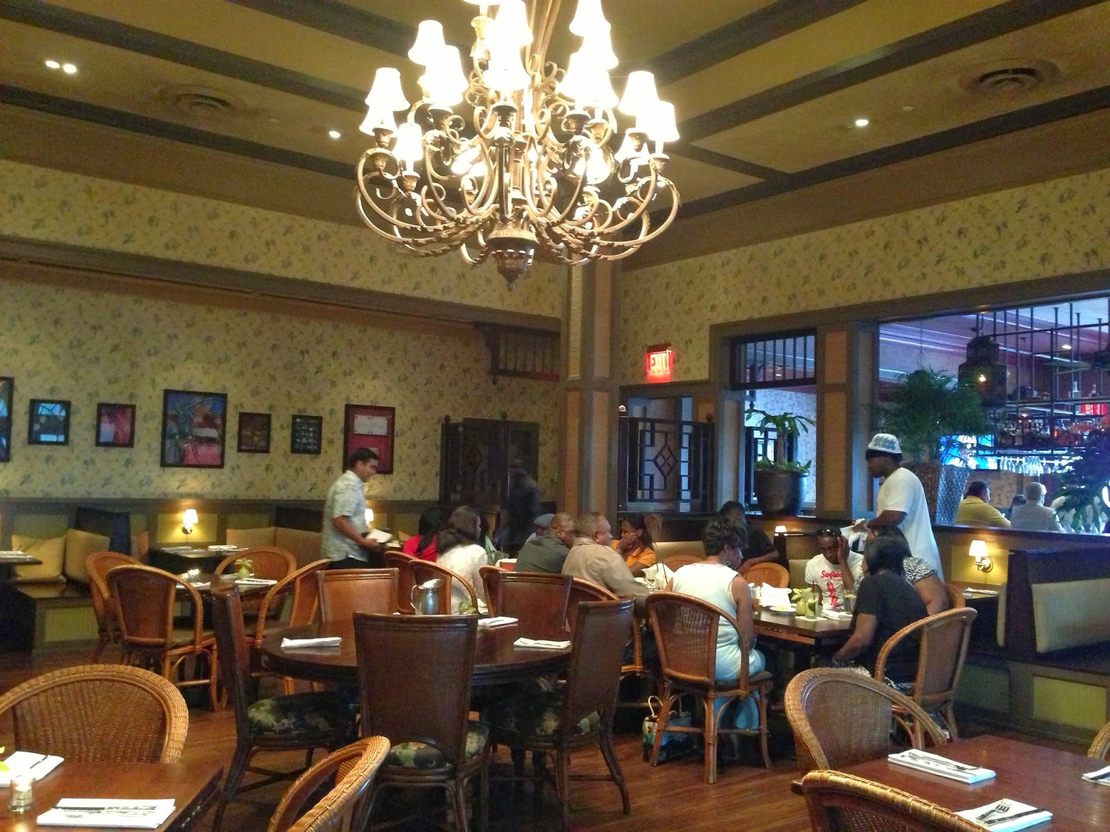 Eating orlando an orlando food blog living the island lifestyle living the island lifestyle in orlando at tommy bahama restaurant a review arubaitofo Choice Image
