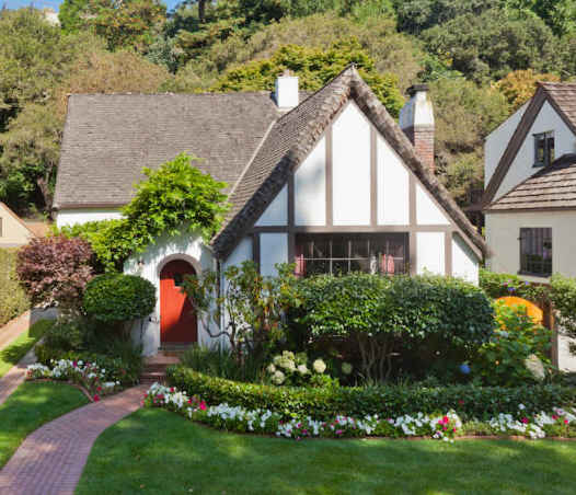 Unique houses sweet storybook tudor cottage - Storybook houses dreamy home ...