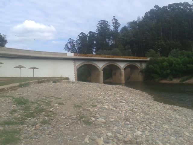 Ponte sobre o Rio Alfusqueiro