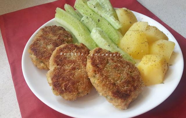 Kotlety mielone z cukinią i marchewką, z warzywami