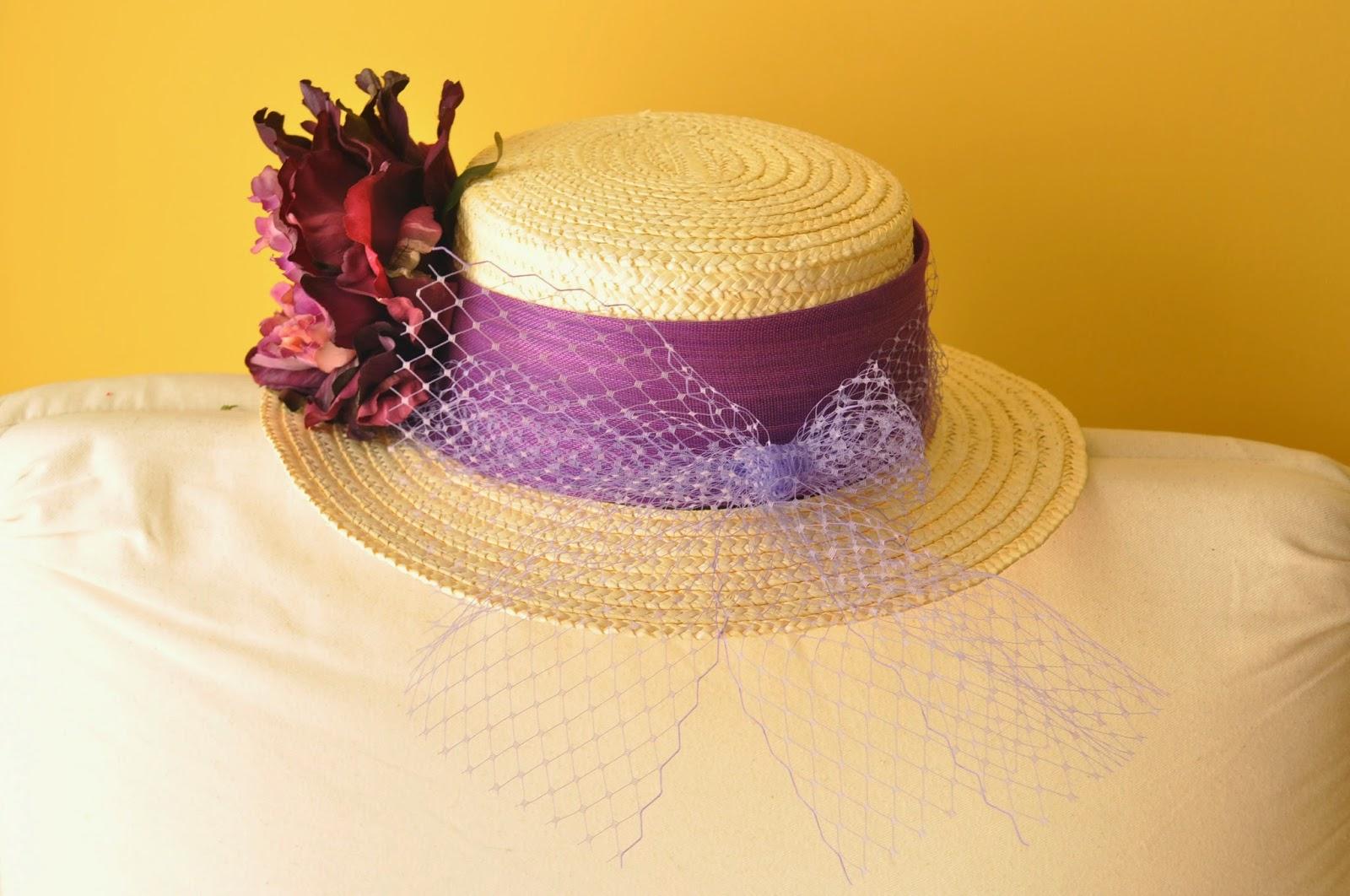 canotier para bodas, canotier económico, sombrero para bodas, sombreros económicos, canotier morado, canotier con flor, canotier con tul morado