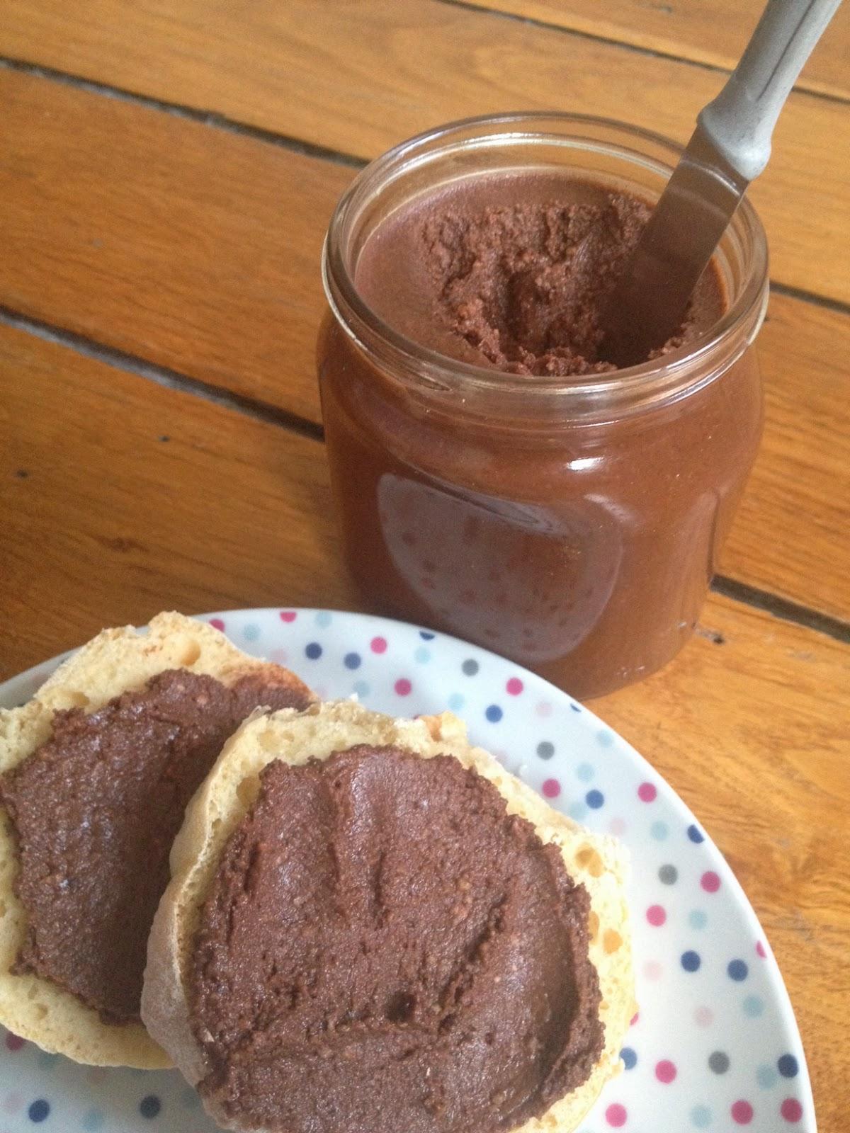Ulrique cuisine p te tartiner ou nutella maison - Nutella maison lait concentre ...