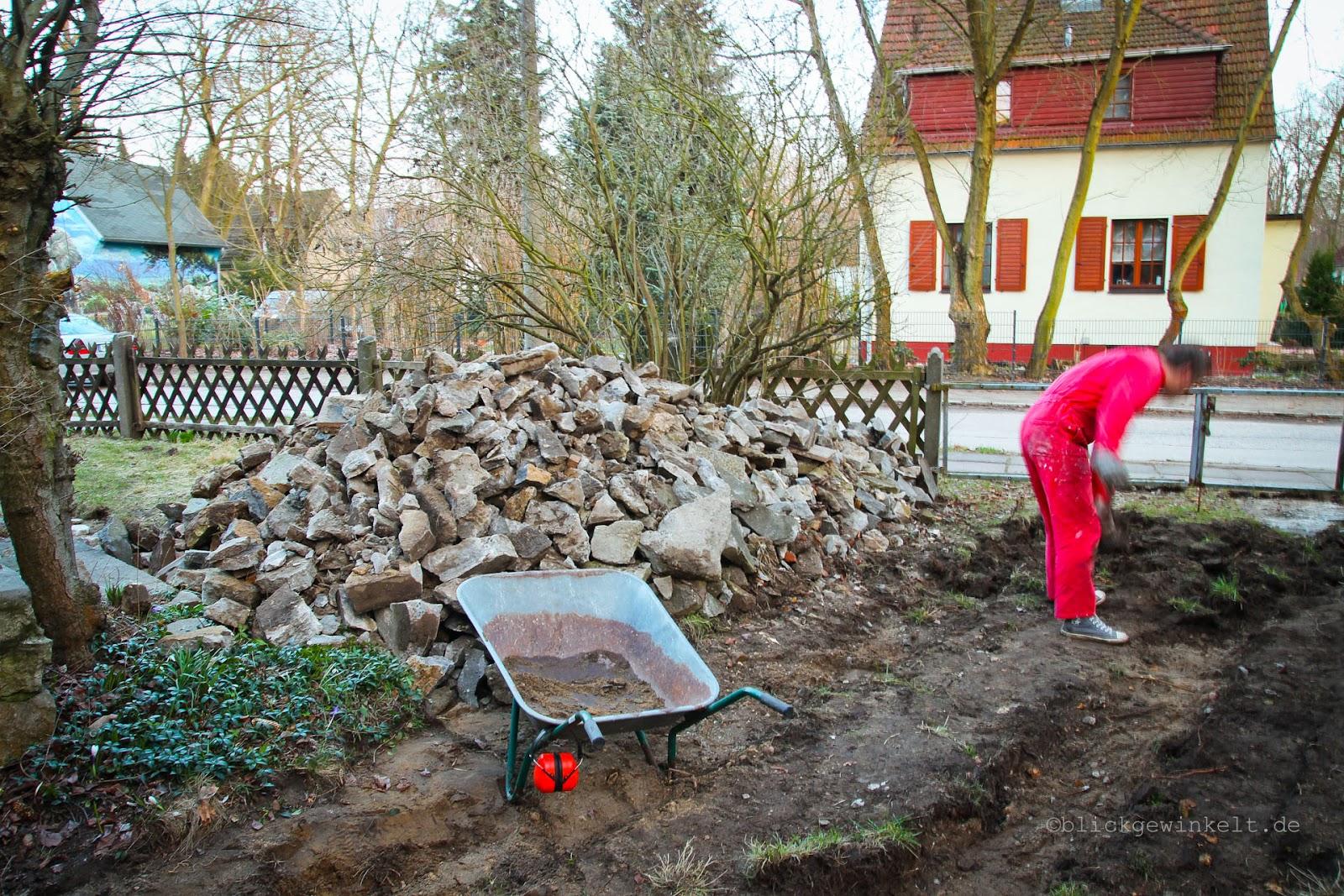 Betonstapel im Garten