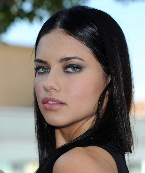 Adriana Lima: Adriana Lima Smokey Eyes And Makeup