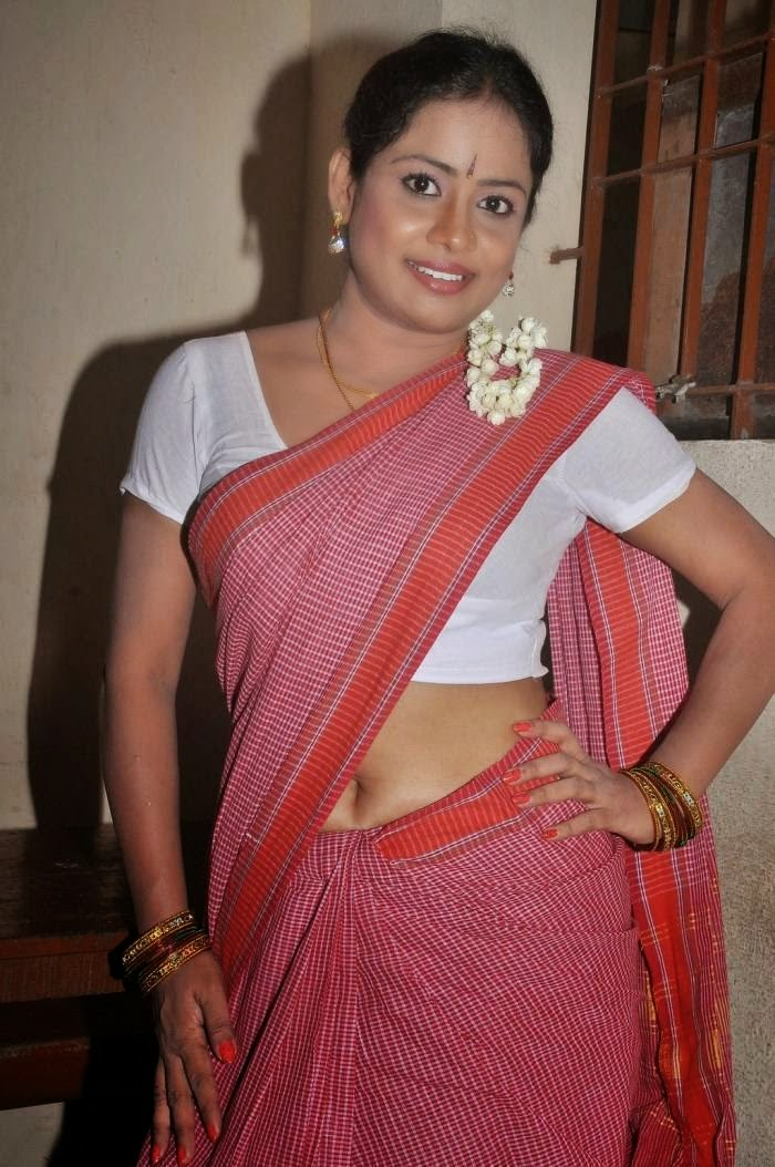 SAMANTHI ACTRESS TRADITIONAL COTTON SAREE PICS