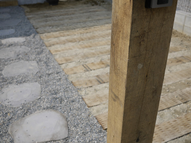 栗枕木 施工例 門柱