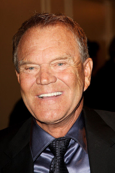 GLEN CAMPBELL Admits to Alzheimer Disease