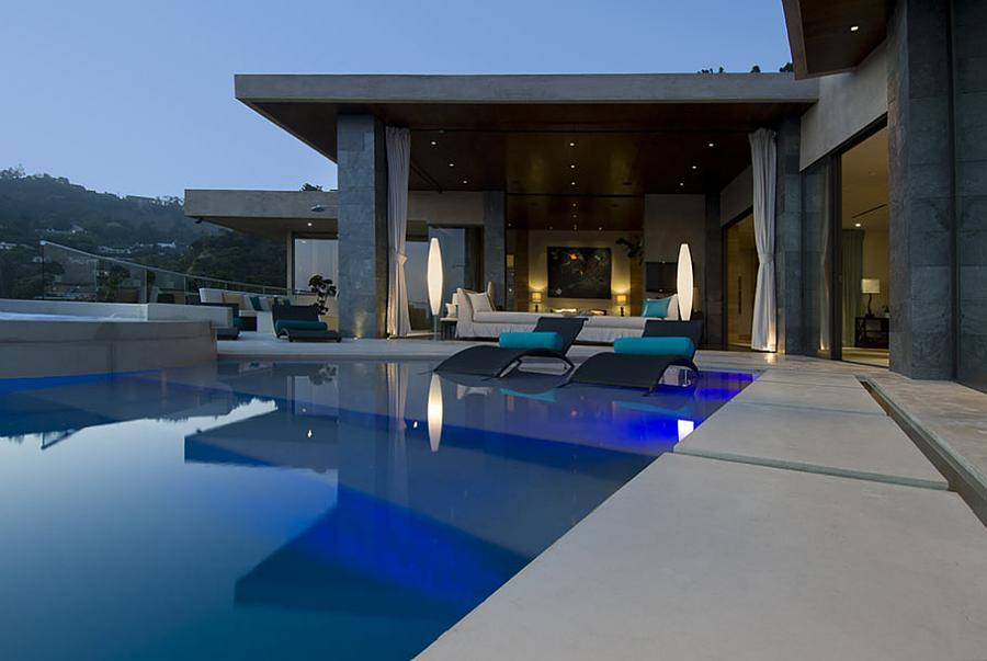 Kenny kunene mr sushi mansion house pictures south for Inside homes rich famous