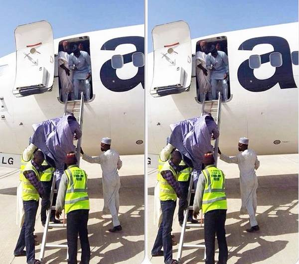 See the Embarrassing Way Some Nigerians Boarded an Aircraft