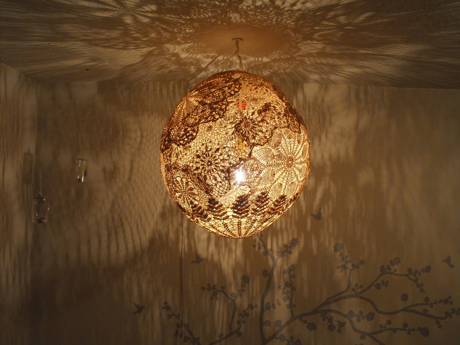 The aftercraft doily lampshade tutorial for Doily light fixture