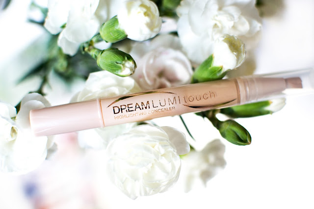 Maybelline Dream Lumi Touch Highlighting Concealer Pen