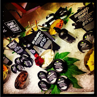Lush Fresh Handmade Cosmetics, Lush Face Mask  Shop Display
