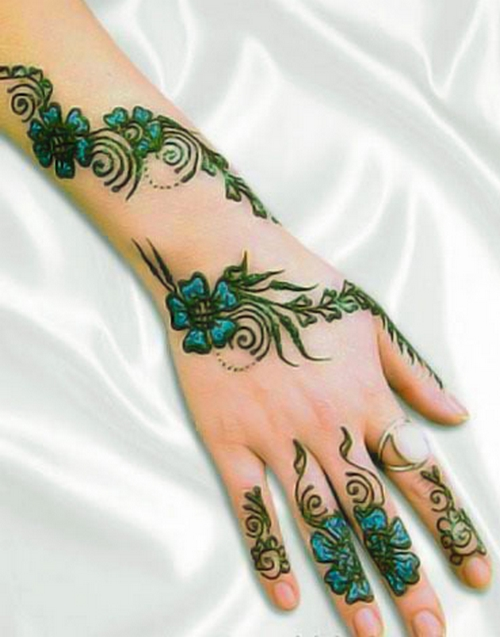 Glitter Mehndi Designs 2011 Fashion Pakistan Bridal Dresses Makeup