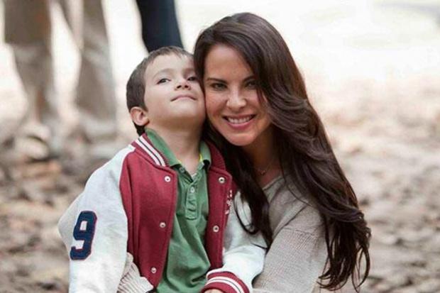 Eric del Castillo confes  243  que nunca ha estado en su mentetener hijosVeronica Del Castillo Y Su Hijo