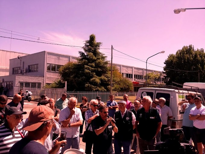 Movilización por despidos en Bayer Argentina