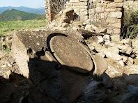 La base d'una premsa de vi de pedra de gres