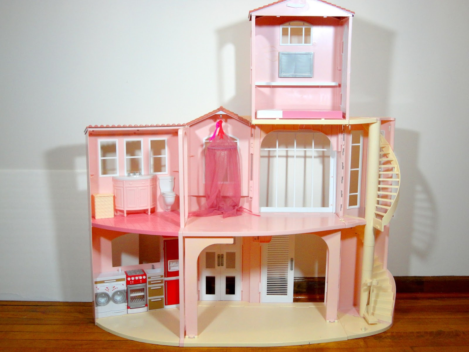 Eeeeek The Barbie 3 Story Dream House The Waverlys