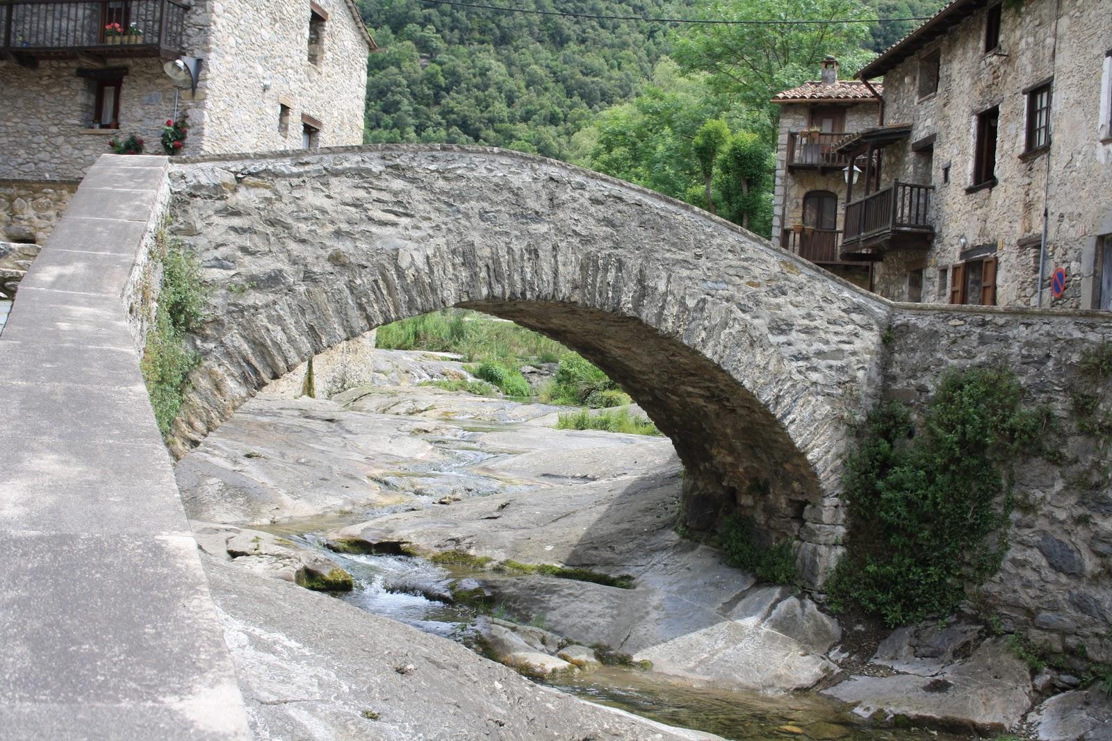 Pueblos y lugares con encanto beget girona - Lugares con encanto ...