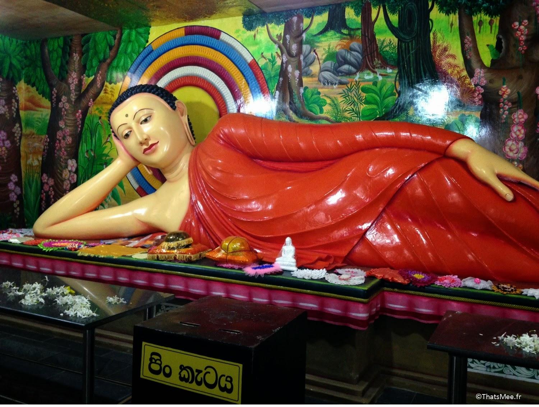 Bouddha couché, Mihintale Sri-Lanka