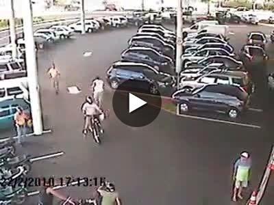 Vídeo: Pegando ladrão de moto