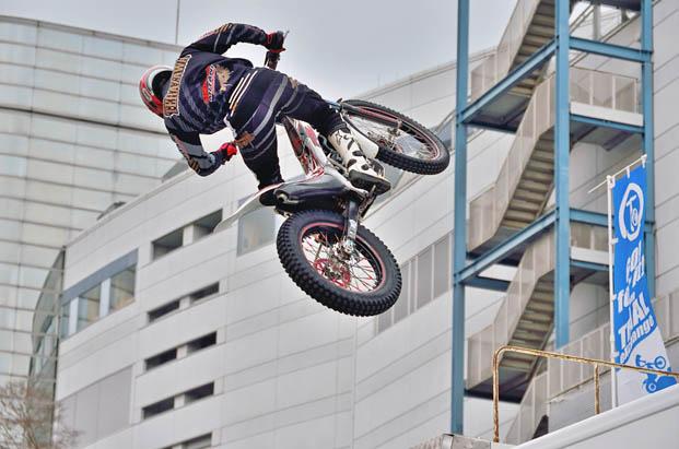 見て、乗って、集えて、遊べるバイクの遊園地「大阪モーターサイクルショー」