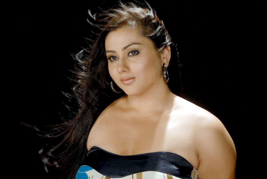 College Movie.Namitha Hot stills In Love College Movie.Hot Namitha ...