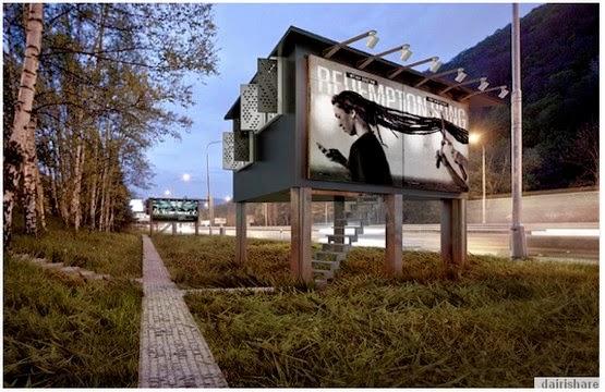 Rumah Untuk Orang Geladangan Di Papan Iklan Jalanan
