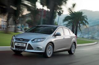 2012-Ford-Focus-06