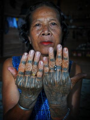 Meskipun demikian, secara realitasnya tato memiliki makna sama dalam ...