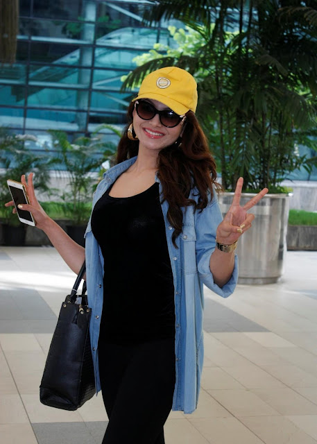 Urvashi Rautela Looks Smoking Hot At Domestic Airport In Mumbai