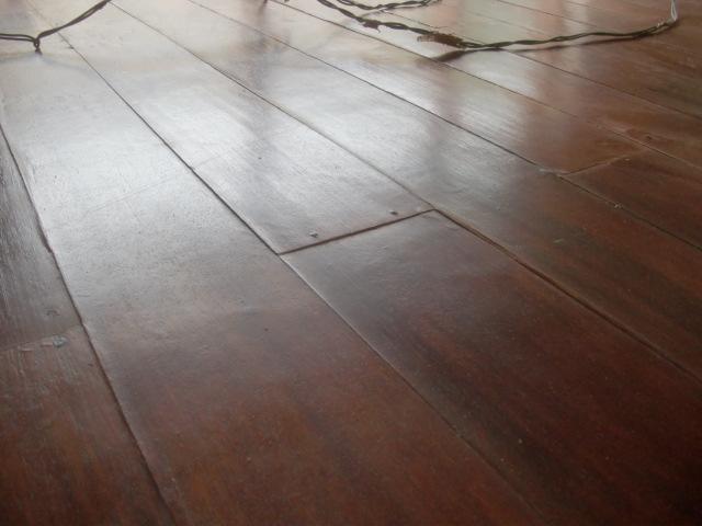 Decoraciones manualidades en madera pintar pisos de madera - Como pintar un piso pequeno ...