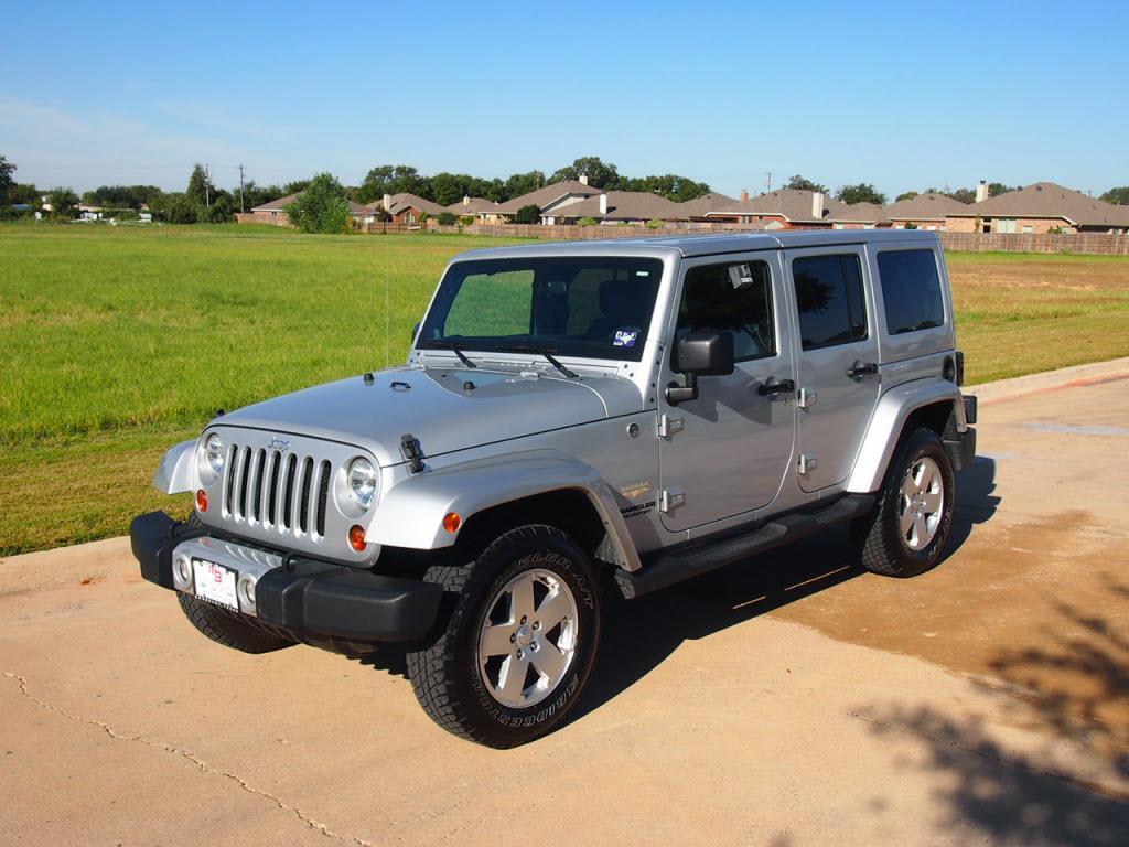 2011 jeep wrangler unlimited sahara white for sale. Black Bedroom Furniture Sets. Home Design Ideas