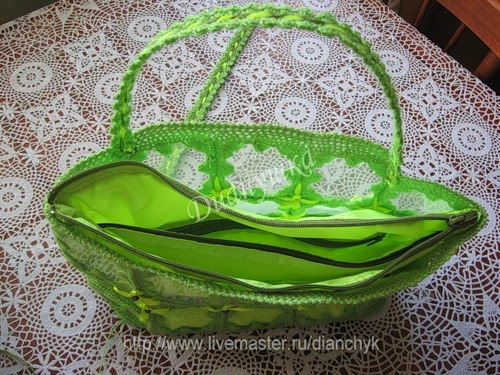 Summer handbag from plastic bottles