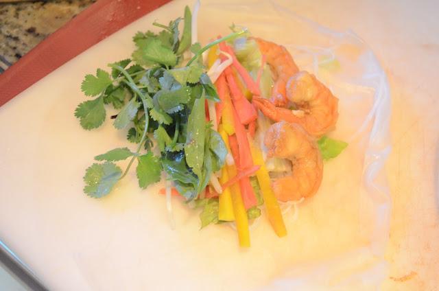 Fresh-Shrimp-Spring-Rolls-Shrimp-Pepper-Lettuce-Cilatnro.jpg