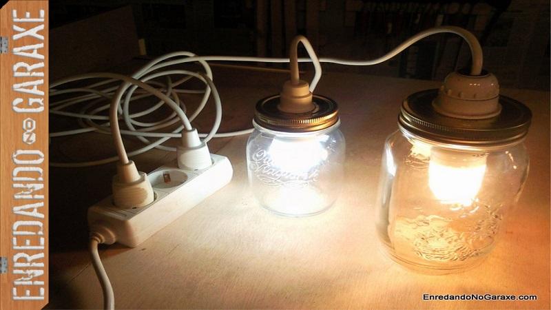 Como hacer lámpara con un tarro de cristal. Enredandonogaraxe.com