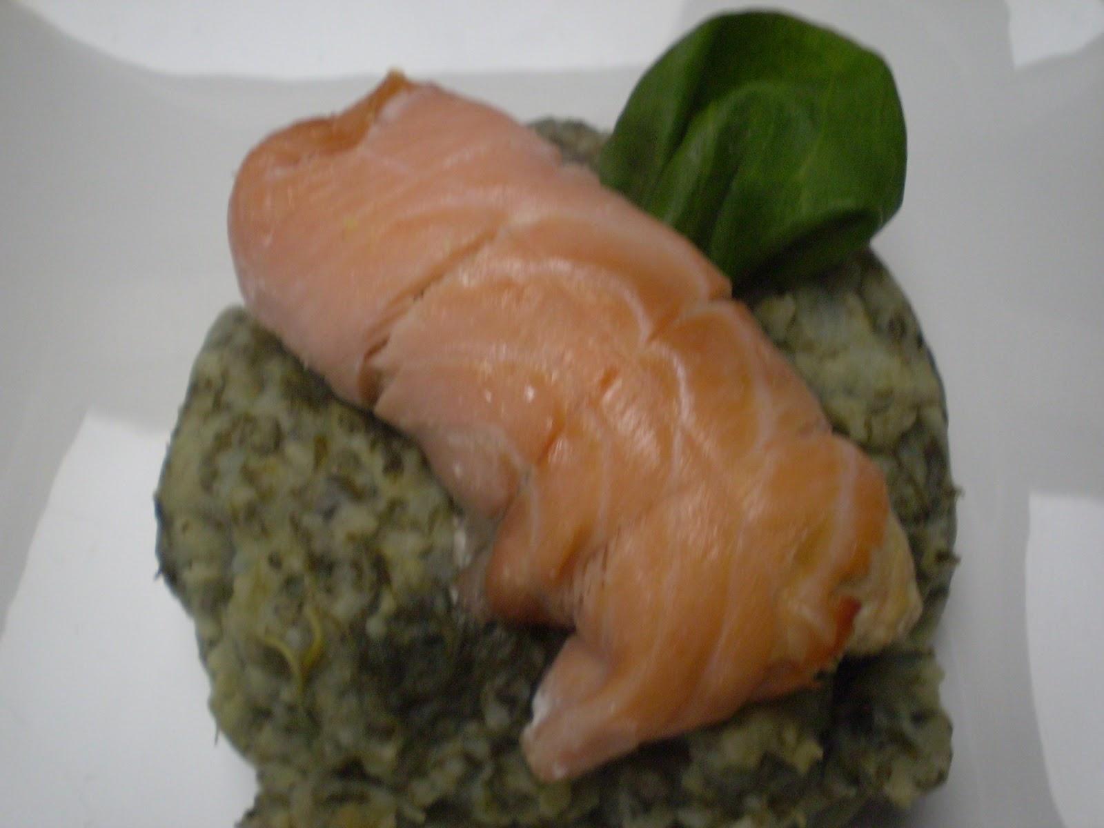 Rôti de saumon et de merlan en robe de saumon fumé ww