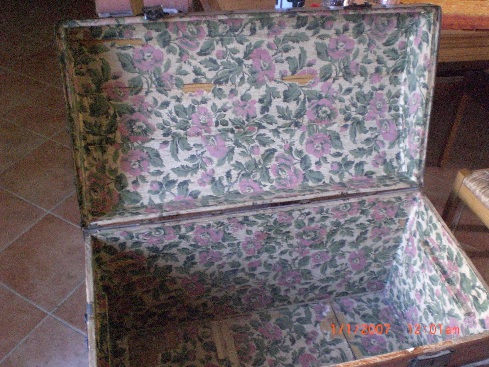 les id es d eco selon francab r novation d 39 une malle ancienne. Black Bedroom Furniture Sets. Home Design Ideas