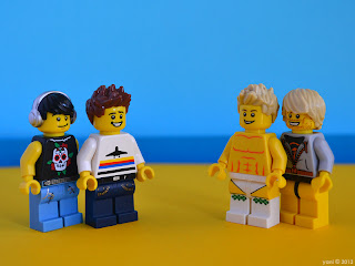 lego neighbours - eltee and elbee meet flax and auric
