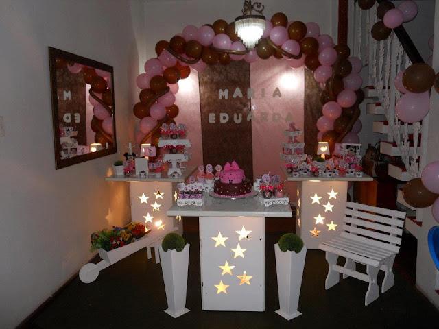 Mesa decorada provençal Marron e Rosa