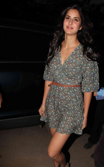 Katrina Kaif Hot At Suzanne Roshan's 'The Charcoal Project Pics