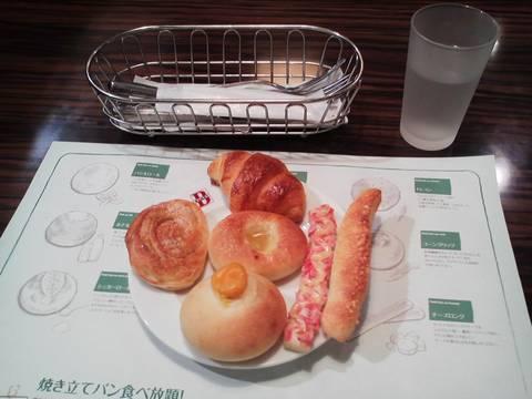 パン食べ放題¥421 バケットマーサ21店2回目