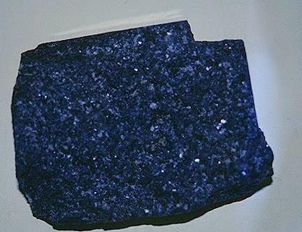 Batu basal atau Batu basalt